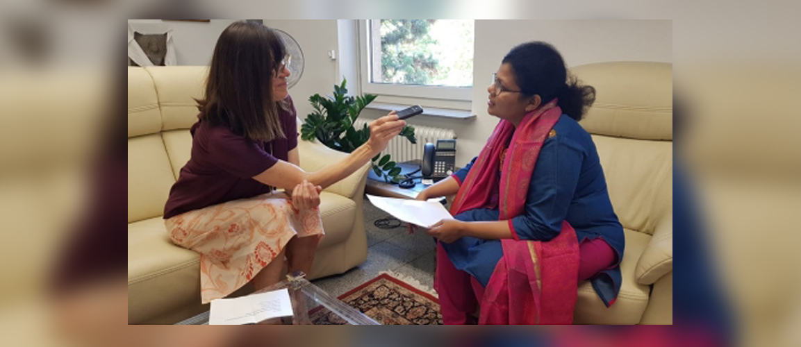 Consul General Ms. Pratibha Parkar was nterviewed by Ms. Petra Klaus from Indian Vibes Neue Generationen e.V. on the upcoming Indien Fest in Frankfurt. The Interview will soon be aired on the radio channel.The event is organized by the Consulate in cooperation with the Friends of India Group & in support with the city of Frankfurt.