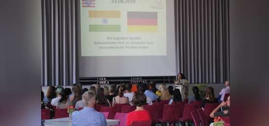 Consul General Ms. Pratibha Parkar was invited as Guest of Honour at the event of handing over of the PASCH badge to the Goethegymnasium School, Frankfurt.