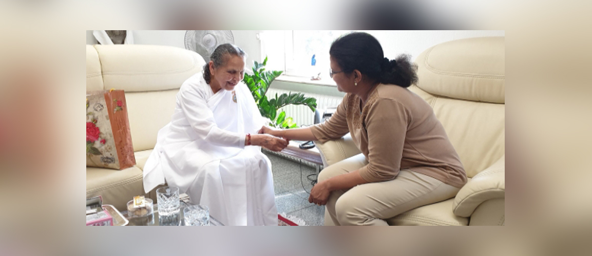 Consul General Ms. Pratibha Parkar met Didi Sudesh, Director of Brahma Kumaris Schools in Europe at the Consulate.