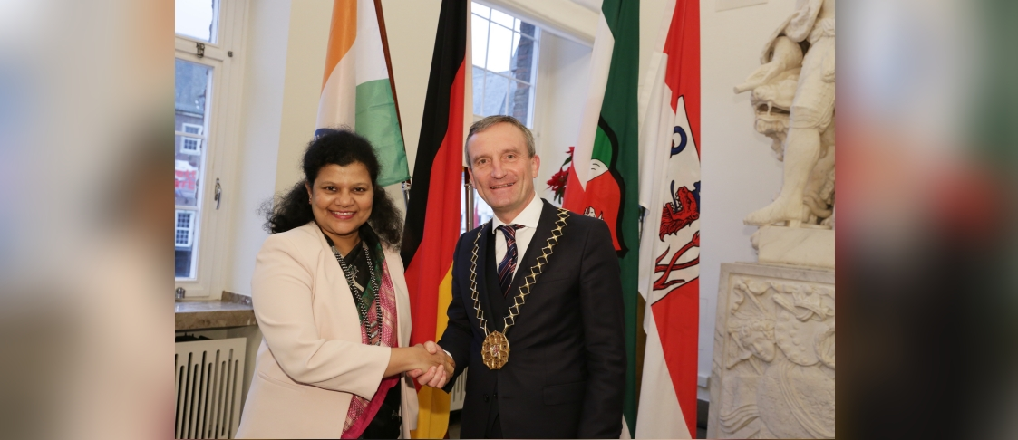 Consul General Ms. Pratibha Parkar called upon Mr. Thomas Geisel, Mayor of Düsseldorf on 6 Jan. 2020 and discussed the possibility of organising more Indo-German events in the City in 2020.