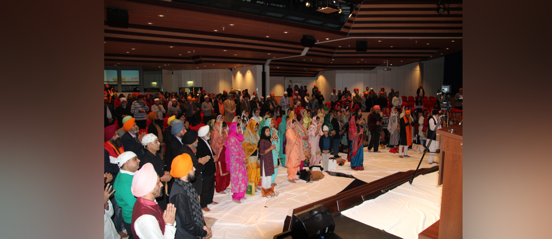 The celebration of the 550th Birth Anniversary of Guru Nanak Dev in Frankfurt on 9 November 2019 saw a huge attendance by Indian community. The programme included Path Shri Sukhmani Sahib, Shabad Kirtan, address by the Consul General Ms. Pratibha Parkar and Guru Ka Langar.