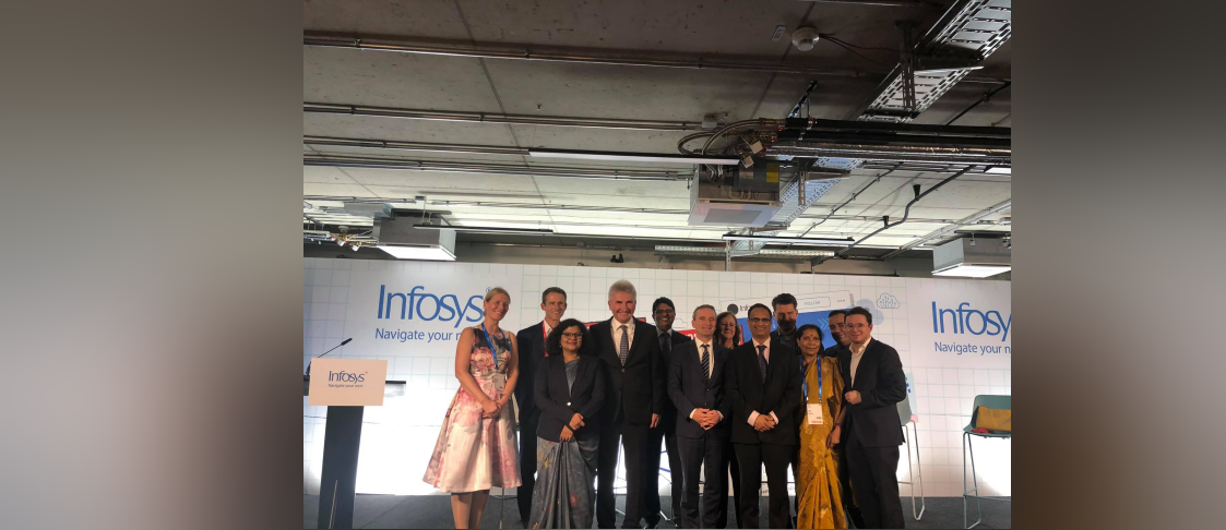 Consul General Ms. Pratibha Parkar joined Economic Minister of North Rheine Westphalia Dr. Andreas Pinkwart and Dusseldorf Mayor Thomas Geisel in inaugurating Infosys' new Digital Innovation Centre in Dusseldorf on 7 November 2019.